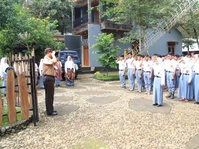 upacara-penutupan